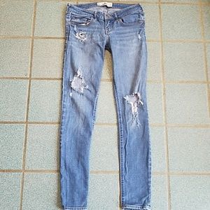 Hollister Skinny Jeans - Ripped - Low Rise - 27